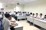 深圳嘉华学校软件开发专业学生辩论赛场展风姿